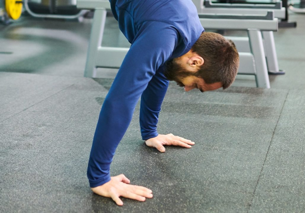 handstand-pushups-and-bodyweight